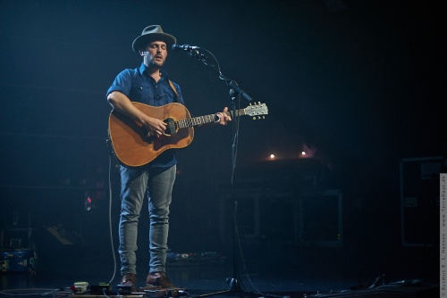 01-2016-03804 - Gregory Alan Isakov (US)