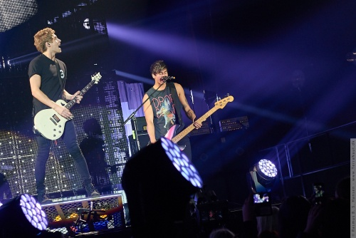 01-2015-00857 - 5 Seconds Of Summer (AUS)
