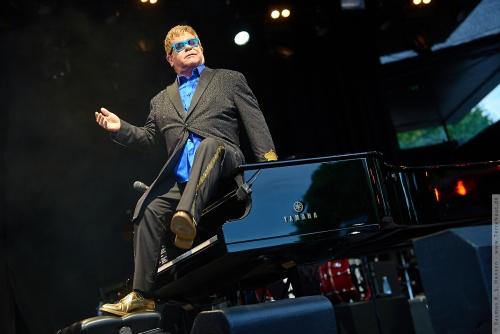01-2015-01542 - Elton John (UK)