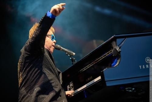 01-2015-01555 - Elton John (UK)