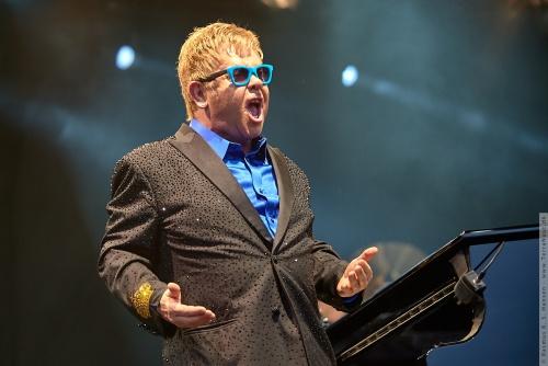 01-2015-01560 - Elton John (UK)