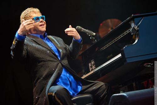 01-2015-01569 - Elton John (UK)