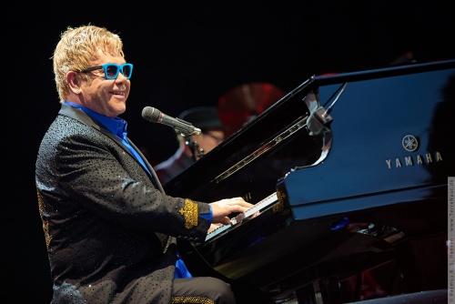 01-2015-01572 - Elton John (UK)