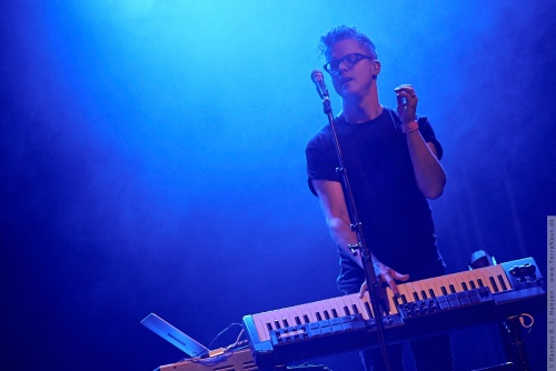 01-2015-02556 - Son Lux (US)