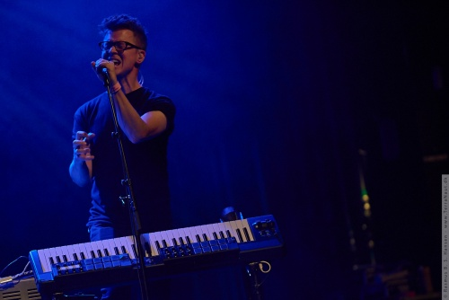 01-2015-02558 - Son Lux (US)