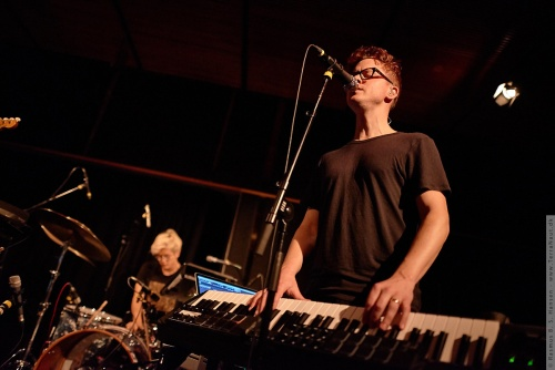 01-2015-03275 - Son Lux (US)