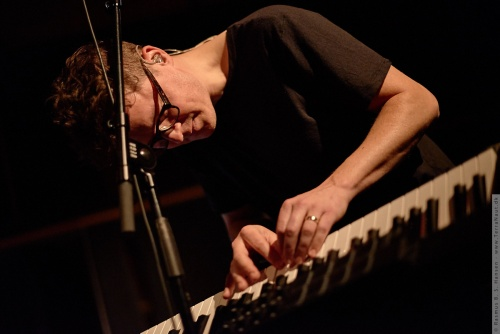 01-2015-03284 - Son Lux (US)