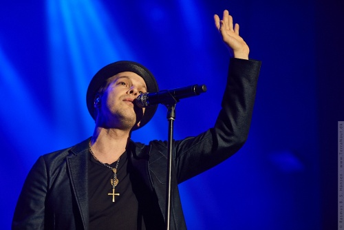 01-2014-00452 - Gavin Degraw (US)