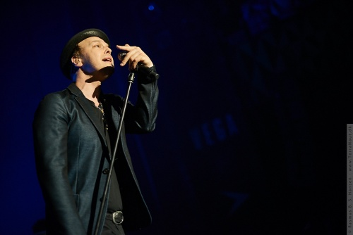 01-2014-00456 - Gavin Degraw (US)
