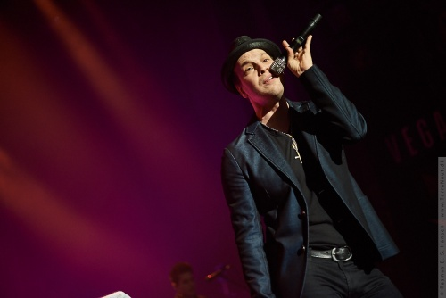 01-2014-00484 - Gavin Degraw (US)