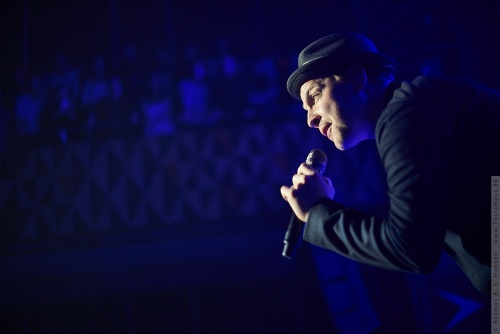 01-2014-00498 - Gavin Degraw (US)
