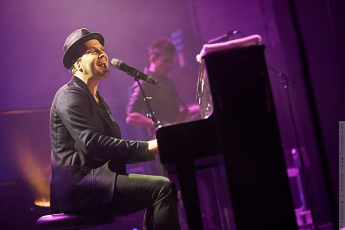 01-2014-00510 - Gavin Degraw (US)