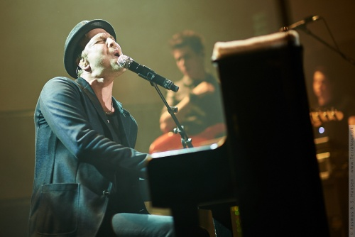 01-2014-00520 - Gavin Degraw (US)
