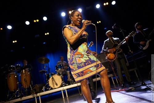 01-2014-02737 - Sharon Jones and The Dap-Kings (US)