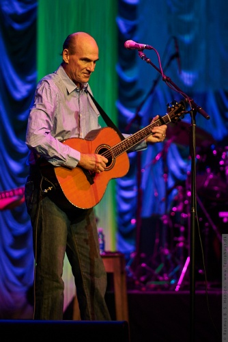 01-2009-02572 - James Taylor (US)