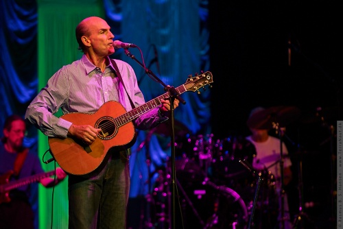 01-2009-02581 - James Taylor (US)