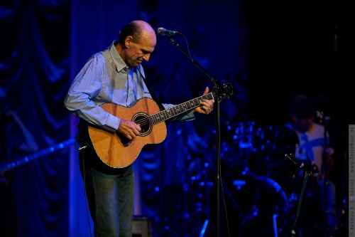 01-2009-02645 - James Taylor (US)