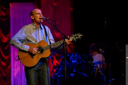 01-2009-02688 - James Taylor (US)