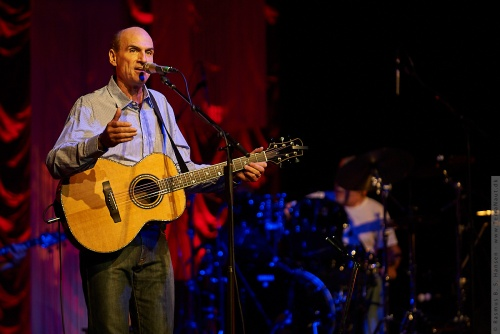 01-2009-02705 - James Taylor (US)