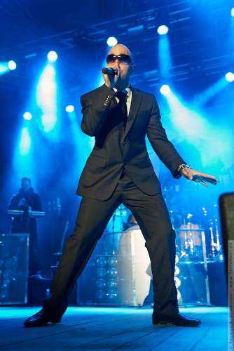 01-2010-00495 - Joey Moe (DK)