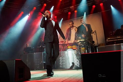 01-2010-00608 - Joey Moe (DK)