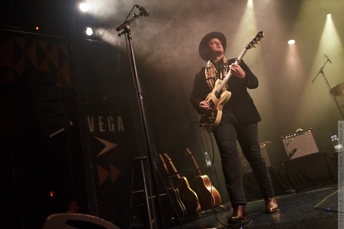 01-2018-00077 - The Lone Bellow (US)