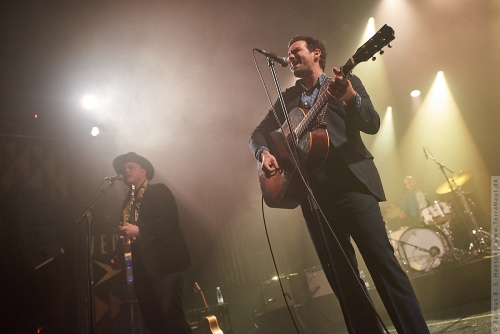 01-2018-00085 - The Lone Bellow (US)