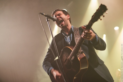 01-2018-00086 - The Lone Bellow (US)