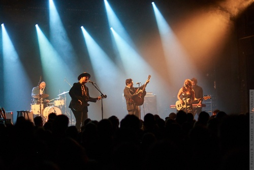 01-2018-00108 - The Lone Bellow (US)
