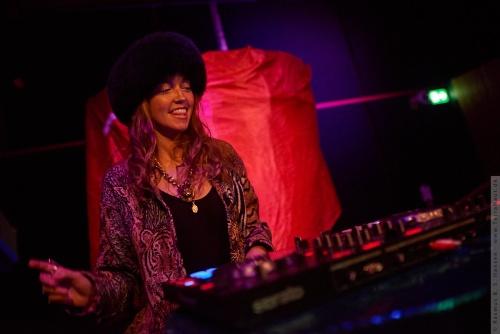 01-2018-00473 - DJ LP Giobbi (US)