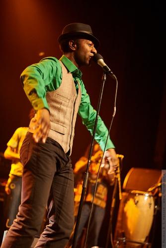 01-2011-02830 - Aloe Blacc And The Grand Scheme (US)
