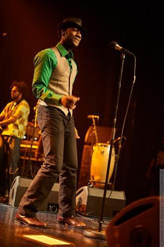 01-2011-02855 - Aloe Blacc And The Grand Scheme (US)
