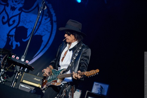 01-2018-02282 - The Hollywood Vampires (US)