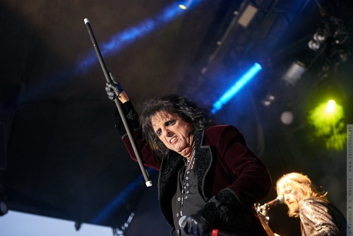 01-2018-02299 - The Hollywood Vampires (US)