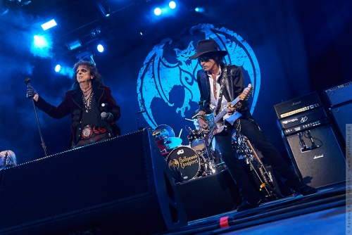 01-2018-02304 - The Hollywood Vampires (US)