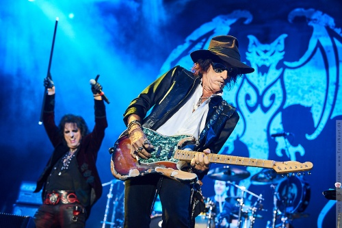 01-2018-02325 - The Hollywood Vampires (US)