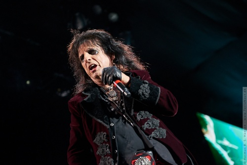 01-2018-02327 - The Hollywood Vampires (US)