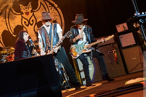 01-2018-02331 - The Hollywood Vampires (US)