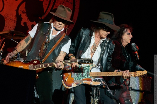 01-2018-02333 - The Hollywood Vampires (US)