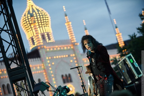 01-2018-02344 - The Hollywood Vampires (US)