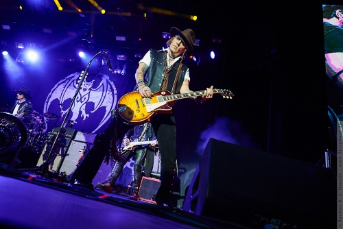 01-2018-02354 - The Hollywood Vampires (US)