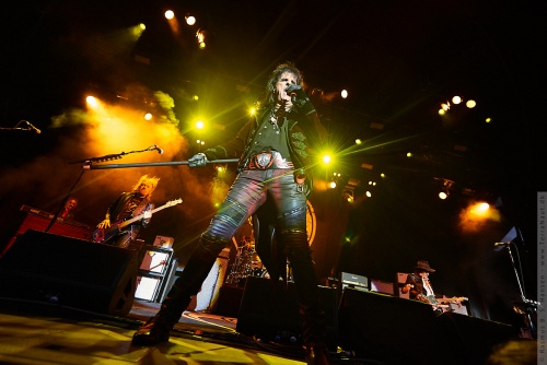 01-2018-02356 - The Hollywood Vampires (US)