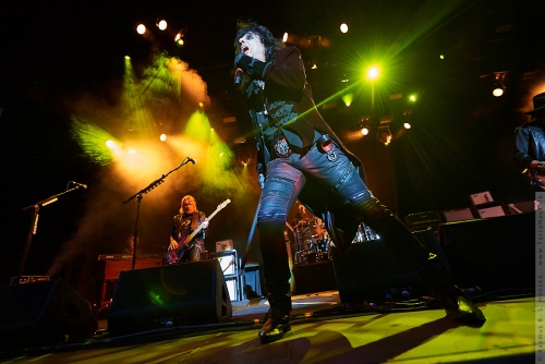 01-2018-02357 - The Hollywood Vampires (US)