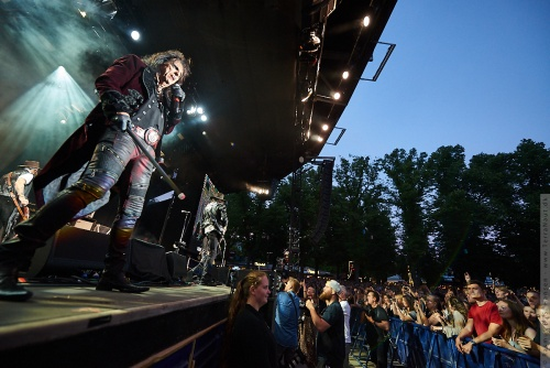 01-2018-02364 - The Hollywood Vampires (US)