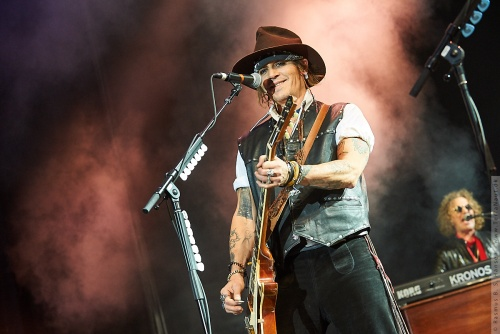 01-2018-02393 - The Hollywood Vampires (US)