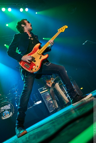 01-2011-06194 - Black Country Communion (US)