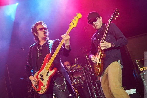 01-2011-06236 - Black Country Communion (US)