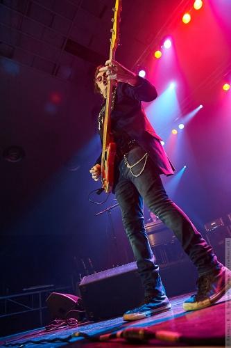 01-2011-06272 - Black Country Communion (US)