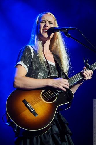 01-2011-06846 - Tina Dickow (DK)