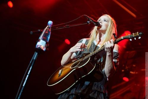 01-2011-06887 - Tina Dickow (DK)
